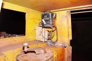 Блок живлення  БПА 1203 і прийомопередавач, шахтний електровоз, г. -1391 м., ш. Батьківщина, КЗРК